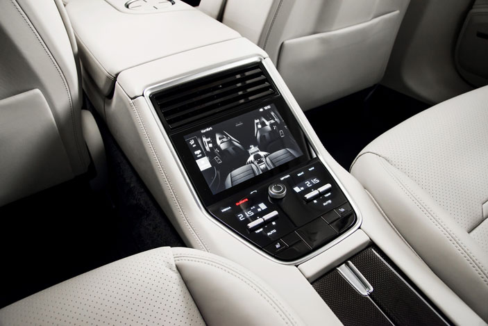 panamera-rear-screen