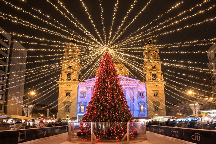The square in front of the Basilica, Budapest, Hungary, features a charming Christmas fair. Photo: Botond Horvath / Shutterstock