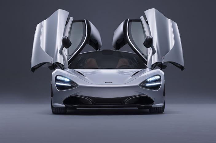 McLaren 720S with its new doors.
