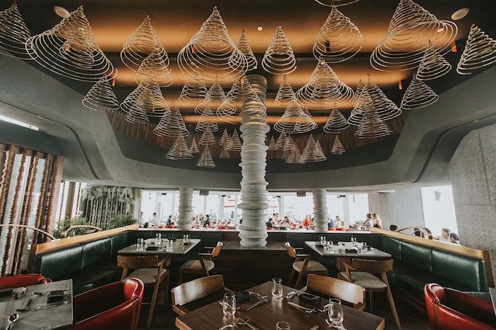 Ce La Vi restaurant interior
