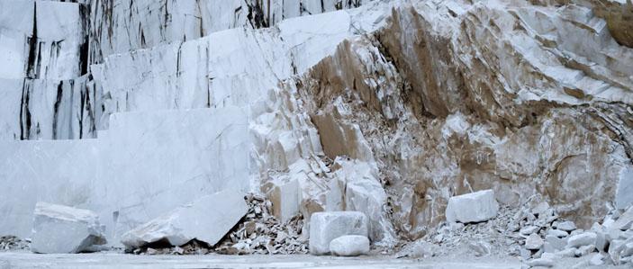 Carrara marble, dedolomieu