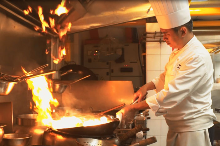 executive chef leong chee yeng jade restaurant the fullerton hotel