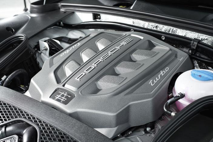 Porsche Macan Turbo V6