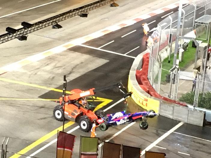 Singapore-Formula-1-crash