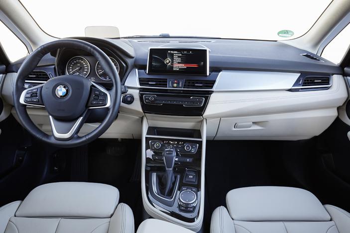 BMW 225xe interior