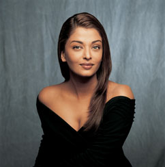 Aishwarya Rai photo by Russel Wong