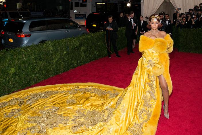 Guo Pei Rihanna