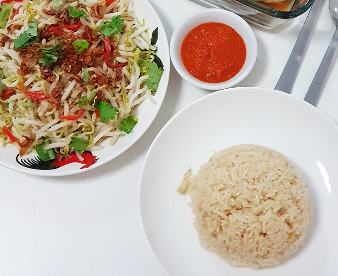 chickenrice_beansprouts-s_oct-2018-w4