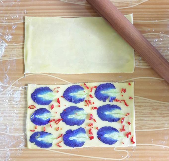 Blue pea hand laminated pasta