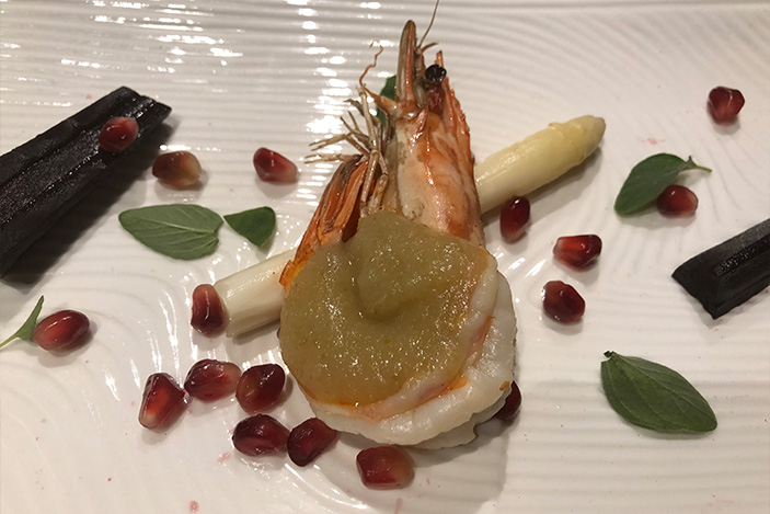 Gabriel Fratini Solo Grilled prawn with pear sauce