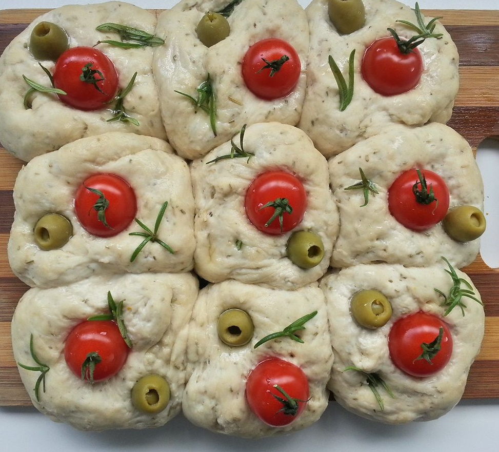 focaccia-buns-with-tomato-olives-rosemary_dec2018-wk2