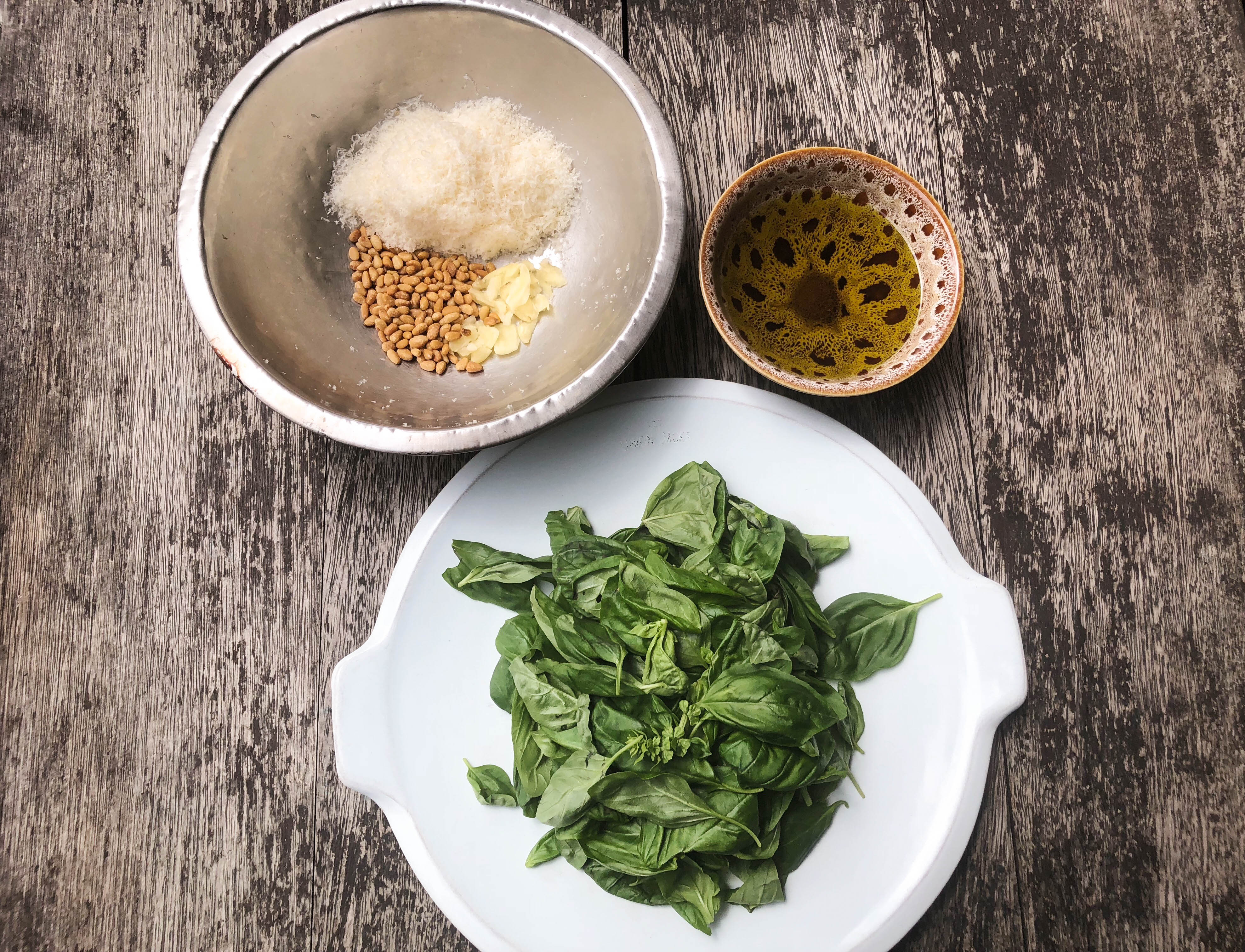 photo-5-ingredients-of-basil-pesto