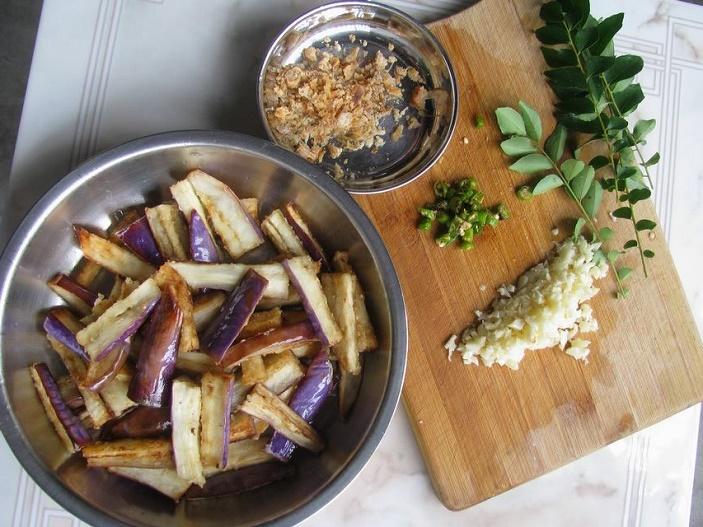 eggplant-salted-fish-ingredients_april-2019-wk1