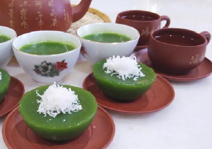 kuih-kosui-coconut-tea-pot_april-2019-wk3