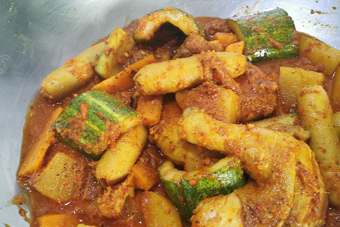 debal curry cooking